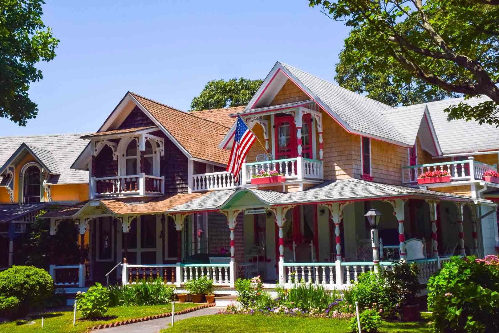 Oak_Bluffs_Double_Gingerbread_Houses